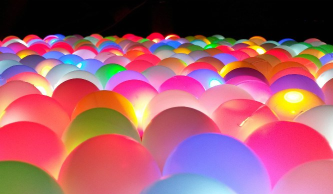 glow-in-dark-ball-pit