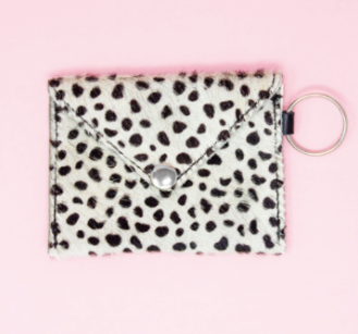 https://www.brandymelville.co.uk/cecile-spotted-coin-purse-d02-nle-888.html