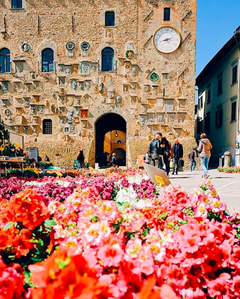 Postcard from Scarperia - @toomuchtuscany.png